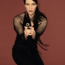 ulrike-mahr-bondgirl-11